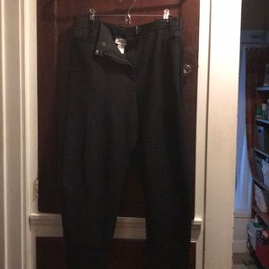 Black Avenue brand trousers in 26 petite